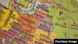 """На расейскіх мапах Беларусь працягваюць называць """"Белоруссией"""". Фота СТВ"""