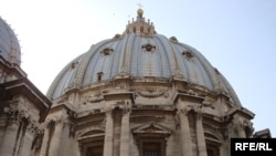 قبة سانت بيترز في الفاتيكان