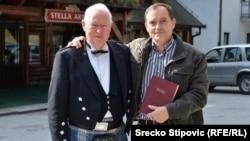 Irski pisac Smyth Clifford i Redžo Trako sa prevodom Biblije