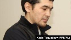 Саян Хайыров сот залында. Алматы, 16 қазан 2013 жыл.
