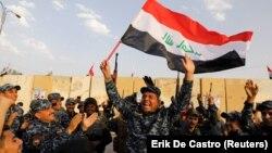 9-декабрдагы жарыяны угуп кубанган ирактык аскерлер