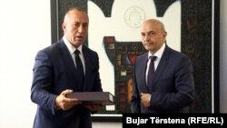 Lider Alijanse za budućnost Ramuš Haradinaj i čelnik Demokratskog saveza Kosova Isa Mustafa