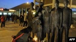 2004 жылы Мадридте болған теракт құрбандарына қойылған ескерткіш.