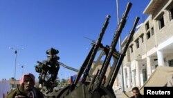 Солдаты ПВО, противостоящие режиму Каддафи в городе Эз-Завия, Ливия, 1 марта 2011 г