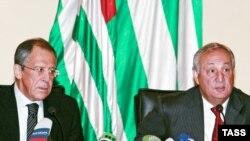 სერგეი ლავროვი (მარცხნივ) და სერგეი ბაღაფში