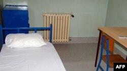 Zatvorska ćelija u Specijalnom sudu u Beogradu, slična onoj u kojoj se nalazio Mladić