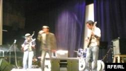 یک مقام وزارت الرشاد اسلامی ایران می گوید با شمار زیادی خوانند ه های موسیقی رپ برخورد خواهد شد