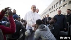 Հռոմի Պապ Ֆրանցիսկոս առաջին, արխիվ