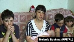 Ольга Денисенко с детьми