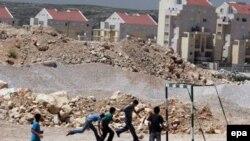 اسراییل می گوید که ساخت شهرک های جدید برای جذب مهاجران جدید یهودی ضروری است.