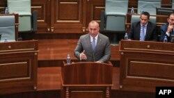Kryeministri i Kosovës, Ramush Haradinaj gjatë një fjalimi në Kuvend.