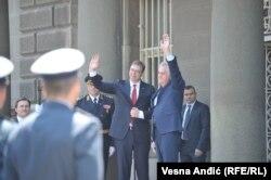 Vučić, za razliku od svog prethodnika Tomislava Nikolića, nije ponovio njegov potez i podneo ostavku na funkciju predsednika stranke, pošto je izabran za predsednika države