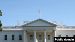 Bijela kuća - zvanično sjedište predsjednika SAD (Ilustrativna fotografija)