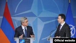Президент Армении Серж Саргсян и генеральный секретарь НАТО Андерс Фог Расмуссен, Брюссель, 6 марта 2012 г.