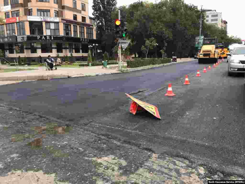 Ремонтные работы на улице Ирчи Казака завершаются, ранее она считалась одной из самых разбитых улиц в центре Махачкалы.