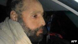 Сеиф ал-Ислам, син на убиениот либиски лидер Моамер Гадафи, по апсењето.