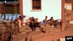 Прыхільнікі Алясана Ўатара рыхтуюцца да штурму рэзыдэнцыі Гбагбо