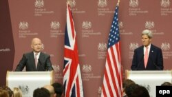 William Hague və John Kerry