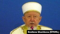 Мұсылмандар діни басқармасының төрағасы, бас мүфтий Әбсаттар қажы Дербісәлі.
