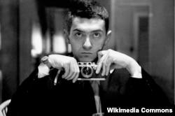 Stanley Kubrick gənclik illərində.