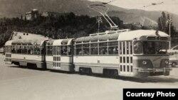 """ტრამვაი """"თბილისი"""" , შექმნილია თბილისის ტრამვაის სარემონტო დეპოში. თბილისი, 1960-65 წწ."""