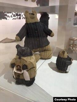 Ватные медведи Василия Слонова