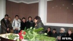 Мария Пульманмен қоштасу. Алматы, 19 қаңтар, 2009 жыл.