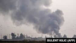 دود ناشی از حملات هوایی ترکیه در شمال سوریه. October 9, 2019