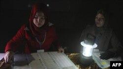 Քվեաթերթիկների հաշվարկը Բաղդադի ընտրատեղամասերից մեկում, 7-ը մարտի, 2010թ.