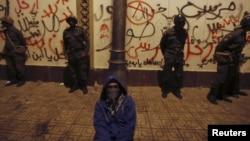 Мовчазний протест проти політики Мохаммеда Мурсі під його палацом у Каїрі, фото 11 грудня 2012 року