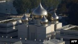 Вигляд на храм РПЦ у центрі Парижа, 12 жовтня 2016 року