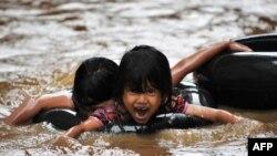 Tokom poplava u Džakarti, februar 2010. - ilustrativna fotografija