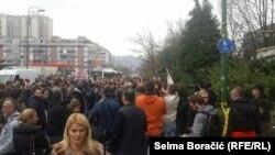 Protesti u Sarajevu zbog odnosa prema štićenicima u Zavodu u Pazariću