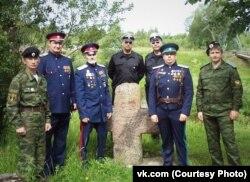 Псковские казаки (Иванов второй справа)
