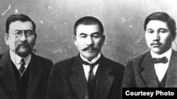 Лидеры движения «Алаш-Орда» Ахмет Байтурсынов, Алихан Бокейхан и Миржакып Дулатов.