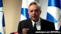 Лидер партии «Единение» Вардан Осканян