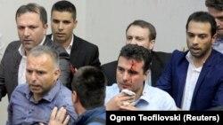 тепки жеген депутат Зоран Заев
