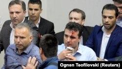 Лидерот на СДСМ Зоран Заев и неколкумина пратеници беа повредени во насилствата во Собранието на 27 април 2017 година