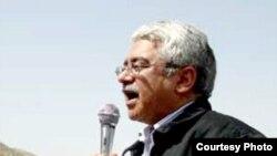 دادگاه تجديد نظر به جای تخفيف در مجازات عبدالله شهبازی حکم وی را تشديد کرده است.
