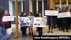 По словам родственников Кабисова, он не собирается сдаваться и будет добиваться справедливости всеми доступными средствами