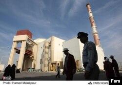 Общий вид на ядерную станцию Бушер в Иране.