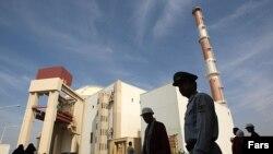 بحث درباره ایمنی نیروگاه اتمی بوشهر پس از زلزلههای اخیر در این منطقه اوج گرفته است