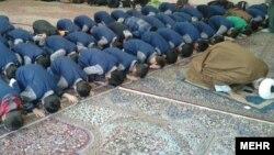 دیدگاهها-تشویق به «نماز اجباری» در مدارس