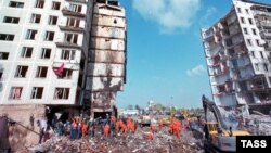 На месте взрыва на улице Гурьянова. Москва, сентябрь 1999 года