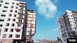Последствия взрыва на улице Гурьянова