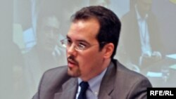 Вице-президент Freedom House Кристофер Уокер