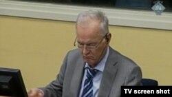 Ratko Mladić u sudnici 21. avgust 2013.