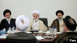 Hashemi Shahroudi (soldan birinci)