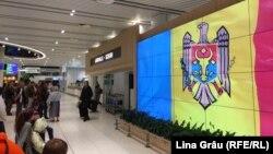La Aeroportul Internațional Chișinău