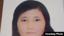 Сүрөттө: Бактыгүл Карыбек кызы, Тажикстандын Тоолуу Бадакшан облусундагы Мургап районунан келген студент кыз.